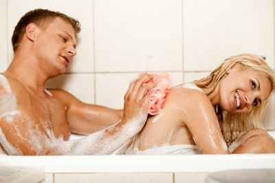 man-woman-bath.singledatingdiva.image_
