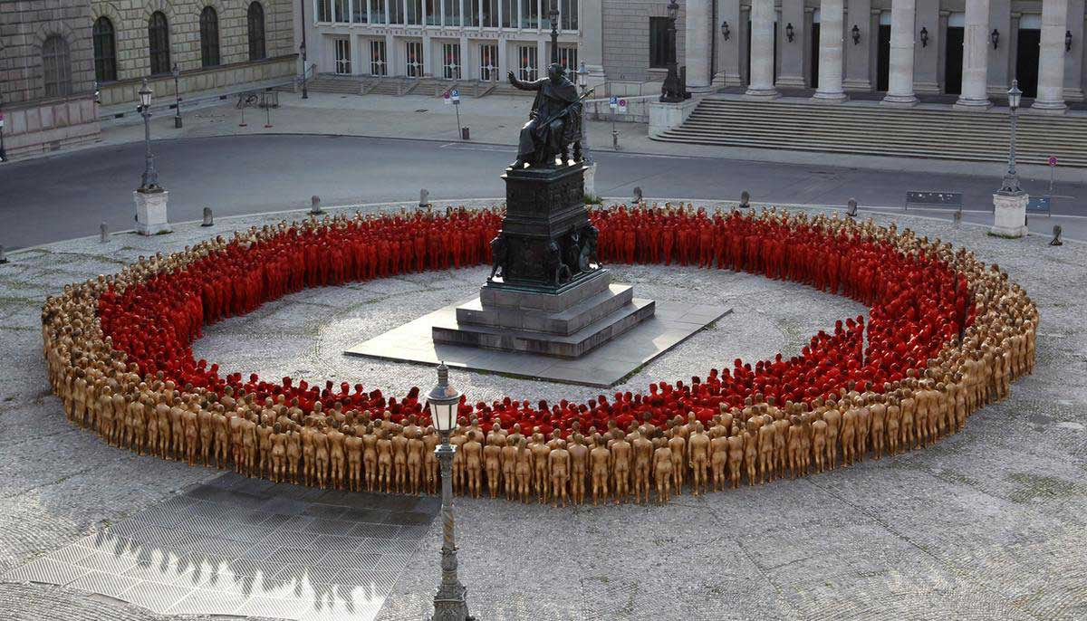 Naked World: Spencer Tunick
